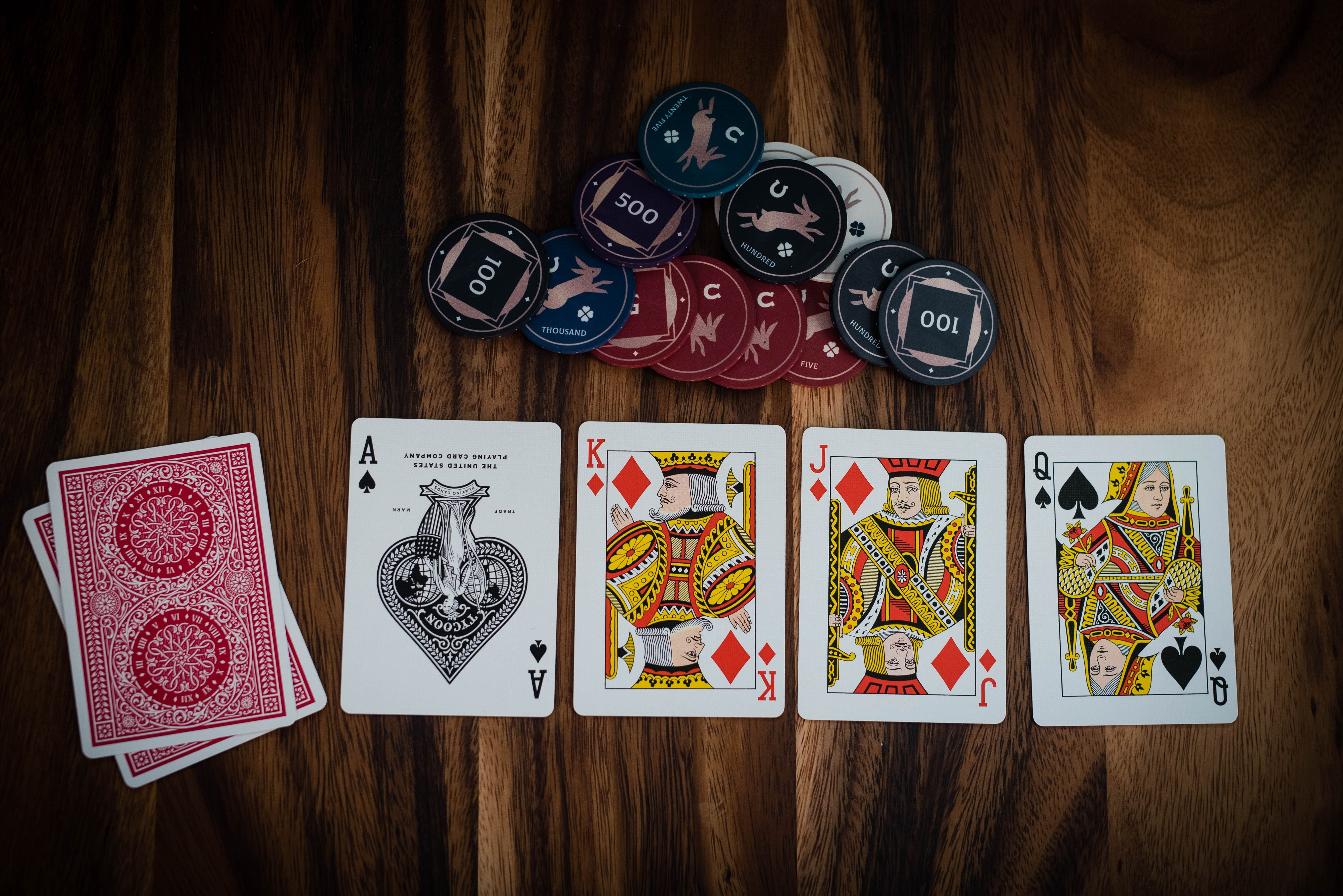 Estrategias fundamentales del póquer